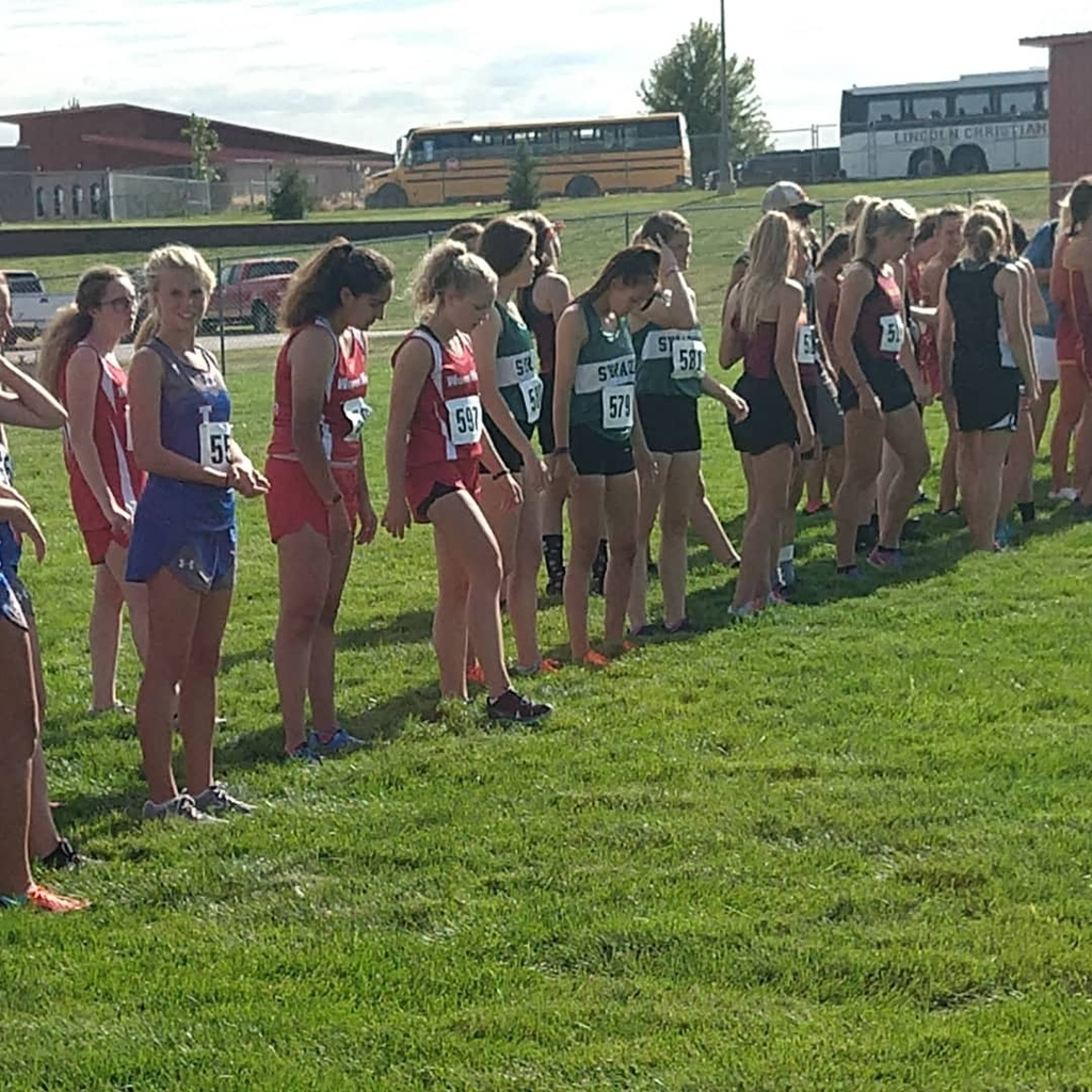 Girls at the start.