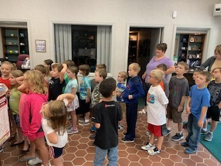 1st and 2nd grade bank tour