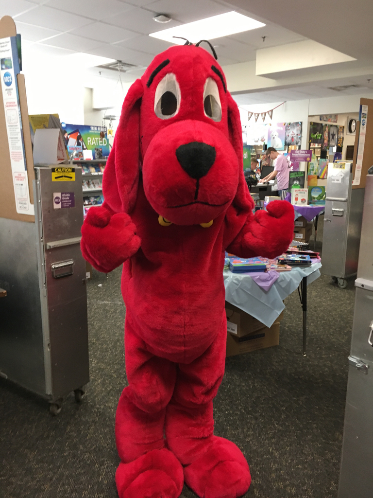 Clifford loves the book fair!