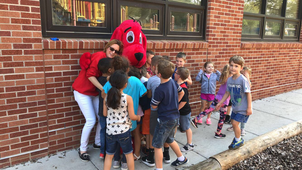 Clifford loves WW students!